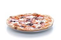 pizza z salami Napoli scamorza